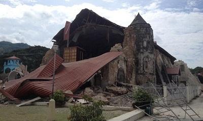 20131015-loboc-church-quake-02