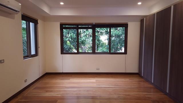 Ayala Alabang Modern Design Fairway House For Sale