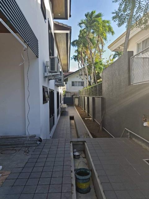 Ayala Alabang Brand New Modern House For Sale