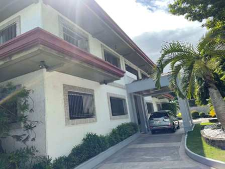 AAyala Alabang Fairway House Backing Golf Course For Sale